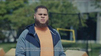 Progressive TV Spot, 'Baker Mayfield Holds a Yard Sale' Featuring Jedrick Wills Jr. - Thumbnail 9