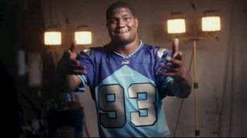 Lowe's TV Spot, 'There's a New Team in the NFL' Ft. Drew Brees,Calais Campbell,Kelvin Lee Beachum Jr - Thumbnail 8