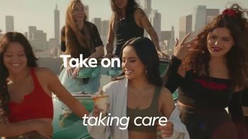Facebook Groups TV Spot, 'Becky G Takes on Anything' Song by Leikeli47 - Thumbnail 10