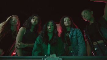 Facebook Groups TV Spot, 'Becky G Takes on Anything' Song by Leikeli47 - Thumbnail 4