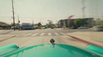 Facebook Groups TV Spot, 'Becky G Takes on Anything' Song by Leikeli47 - Thumbnail 5