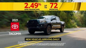 Toyota Fall Savings TV Spot, 'Reasons to Buy a Tacoma' [T2] - Thumbnail 4