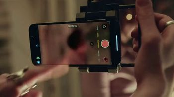 Apple iPhone 13 Pro TV Spot, 'Hollywood in Your Pocket' Song by Labrinth - Thumbnail 4