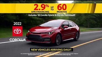 Toyota 5 Big Reasons Event TV Spot, 'Reasons to Buy a Corolla' [T2] - Thumbnail 3