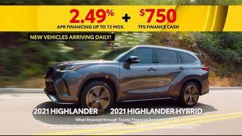 Toyota 5 Big Reasons Event TV Spot, 'Reasons to Buy a Highlander' [T2] - Thumbnail 3