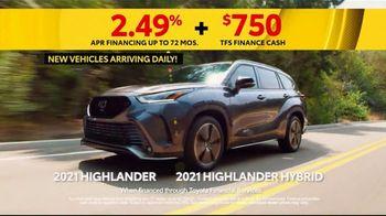 Toyota 5 Big Reasons Event TV Spot, 'Reasons to Buy a Highlander' [T2] - Thumbnail 4