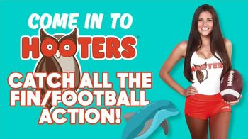 Hooters TV Spot, 'Catch All the Fin Football Action'