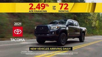 Toyota 5 Big Reasons Event TV Spot, 'Reasons to Buy a Tacoma' [T2] - Thumbnail 3