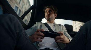 Samsung TV Spot, 'Experience Galaxy Z Fold3 5G & Z Flip3 5G: Free Z Flip3' - Thumbnail 3