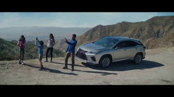 Lexus Golden Opportunity Sales Event TV Spot, 'Hybrid: No Signal' [T2] - Thumbnail 4
