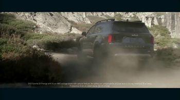 2022 Kia Sorento TV Spot, 'The Bear and the Eagle: Kickoff Fanplay' Song by The Heavy [T1] - Thumbnail 2