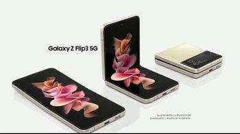 Samsung Galaxy Z Flip3 5G TV Spot, 'Baile en el estacionamiento: $1,000 dólares de descuento' [Spanish]