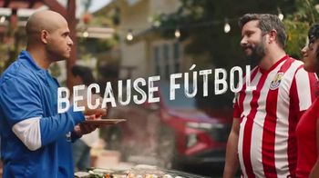 Hyundai Tucson TV Spot, 'Sábado futbolero: A BBQ with rivals' [Spanish] [T1] - Thumbnail 7