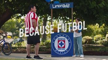 Hyundai Tucson TV Spot, 'Sábado futbolero: When Lemonade Is Not for Sale' [Spanish] [T1] - Thumbnail 7