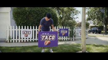 Taco Bell Crispy Chicken Sandwich Taco TV Spot, 'Taco vs. Sandwich Rivalry' - Thumbnail 4