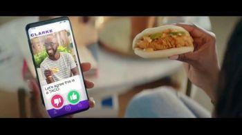 Taco Bell Crispy Chicken Sandwich Taco TV Spot, 'Taco vs. Sandwich Rivalry' - Thumbnail 6