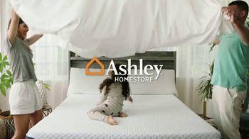 Ashley HomeStore Labor Day Mattress Sale TV Spot, 'Extended: Save $700 on Adjustable Set'