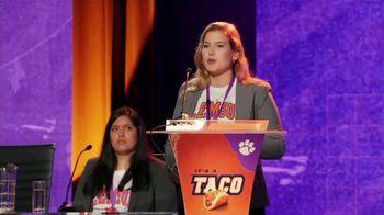 Taco Bell Crispy Chicken Sandwich Taco TV Spot, 'Debate: Summary' Featuring Brian Huskey