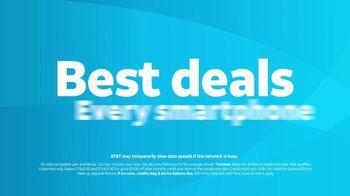 AT&T Wireless TV Spot, 'Lily Rotating Sign + Samsung Galaxy Z Fold3 5G' - Thumbnail 10