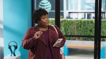 AT&T Wireless TV Spot, 'Lily Rotating Sign + Samsung Galaxy Z Fold3 5G' - Thumbnail 7