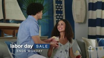 Ashley HomeStore Labor Day Sale TV Spot, 'Ends Monday: 30% Off, Queen Bed and 0% Interest' - Thumbnail 3
