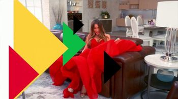 Rooms to Go TV Spot, 'Two Collections' Featuring Cindy Crawford, Sofia Vergara, Song by Pitbull - Thumbnail 4