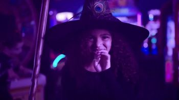 Chuck E. Cheese's Halloween Boo-Tacular TV Spot, 'Limited Free Game Play & New Shows' - Thumbnail 1