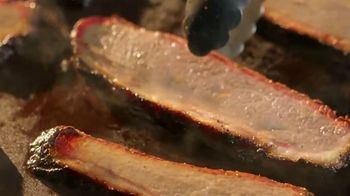 Chipotle Mexican Grill Smoked Brisket TV Spot, 'Seasoned, Smoked, Seared' - Thumbnail 4