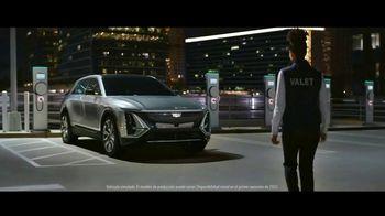 Cadillac LYRIQ TV Spot, 'Iluminando el camino' canción de DJ Shadow, Run the Jewels [Spanish] [T1] - Thumbnail 1
