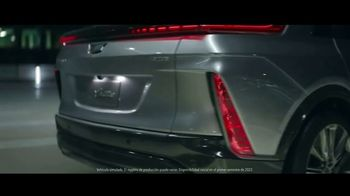 Cadillac LYRIQ TV Spot, 'Iluminando el camino' canción de DJ Shadow, Run the Jewels [Spanish] [T1] - Thumbnail 2