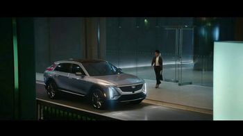 Cadillac LYRIQ TV Spot, 'Iluminando el camino' canción de DJ Shadow, Run the Jewels [Spanish] [T1] - Thumbnail 6