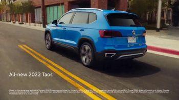 2022 Volkswagen Taos TV Spot, 'Raccoons: Taos' [T2] - Thumbnail 6