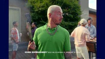 Miller Lite TV Spot, 'Bodega' con J Balvin [Spanish] - Thumbnail 9