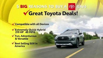 Toyota 5 Big Reasons Event TV Spot, 'Reasons to Buy a RAV4' [T2]