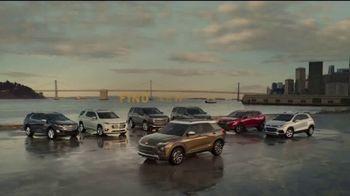 Chevrolet TV Spot, 'Familia de SUVs: maneja con cuidado' canción de Shane Alexander [Spanish] [T2]