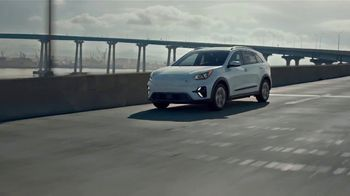 2022 Kia Niro EV TV Spot, 'Ends of the Earth' [T2] - Thumbnail 4