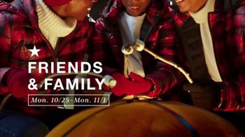 Macy's Friends & Family TV Spot, 'Holidays: Extra 30% Off and Beauty Deals'