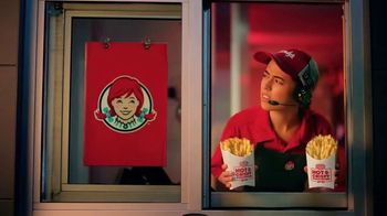 Wendy's Hot & Crispy Fries TV Spot, 'Amor al primer mordizco' [Spanish]