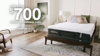 Ashley HomeStore Labor Day Sale TV Spot, 'Final Days: Save Up to $700 on Tempur-Pedic'