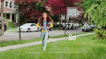 Kohl's The Biggest Jeans Sale TV Spot, 'Back to School: Excitement of Heading Home' - Thumbnail 4