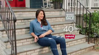 Kohl's The Biggest Jeans Sale TV Spot, 'Back to School: Excitement of Heading Home' - Thumbnail 5