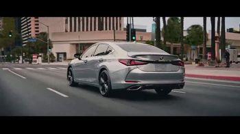 Lexus ES TV Spot, 'De tal madre tal hija' [Spanish] [T1] - Thumbnail 4