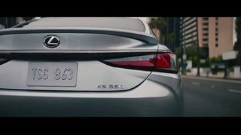 Lexus ES TV Spot, 'De tal madre tal hija' [Spanish] [T1] - Thumbnail 5
