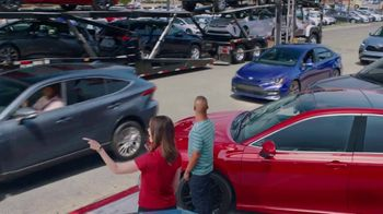 Toyota National Sales Event TV Spot, 'Occupational Hazard' [T2] - Thumbnail 3