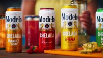 Modelo Chelada TV Spot, 'Llena de sabor: piña picante' [Spanish]
