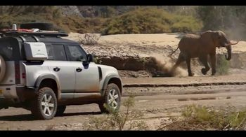 Land Rover Defender TV Spot, 'Everyday Trips' [T1] - Thumbnail 3