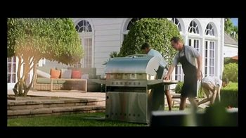 BBQGuys TV Spot, 'Around the Grill with the Mannings: $300' Feat. Peyton Manning, Eli Manning - Thumbnail 3