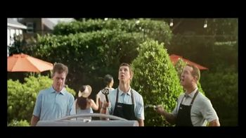 BBQGuys TV Spot, 'Around the Grill with the Mannings: $300' Feat. Peyton Manning, Eli Manning - Thumbnail 4