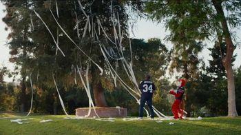 Nissan TV Spot, 'Heisman House: Bo Jackson Celebrating Everything' Ft. Bo Jackson [T1] - Thumbnail 7