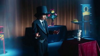 Pillsbury Grands! Cinnabon Cinnamon Rolls TV Spot, 'Magic Show' - Thumbnail 3